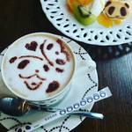 75775959 - ぱんだ珈琲にきたらマスターの淹れてくれるコーヒー飲まなくちゃ☕☀お砂糖までぱんだだよっ