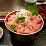 カネト水産 海の市 - メカジキネギトロ丼 1000円