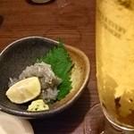 75781811 - 生しらすと生ビール