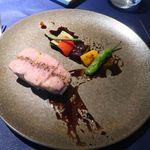 ラ・ルーナ・ロッサ - 群馬県産せせらぎ豚 肩ロースのロースト カルダモン香るバルサミコのソース
