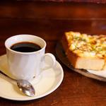 ドリームコーヒー - ブレンドコーヒーと玉子トースト。