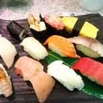 回転鮨 清次郎 - 料理写真:本日のランチ1000円(税別)!