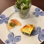 鎌倉パスタ - 前菜のカルパッチョ、サラダ、キッシュ