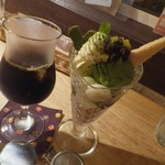 クックカフェ 旅の途中に - 料理写真:抹茶あずきパフェとアイスコーヒーS