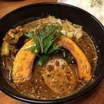 スープカレー モンキー マジック - スパイシー肉付きなんこつ(辛さ8)1250円