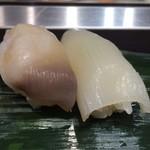 立食い寿司 根室花まる - 活北寄貝、真いか