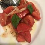 75795646 - トマトのサラダ