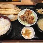 男子厨房酒場 蔵の灯 - さわらの西京焼きと鶏唐定食(850円)