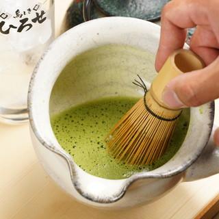 目の前でお茶を立てるひろせ流生茶ハイが格別♪川本茶舗