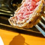 炭焼きレストランさわやか - ハンバーグの断面