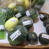 とんとんのお店 - 料理写真:新鮮野菜も並ぶ