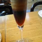 リブハウス オーシャンハウス - 細めのグラスは飲みにくい