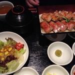 ONDORU - 東京ブラックコールドステーキ重2種盛り