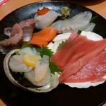 スシロー - 料理写真:御刺身 本日の厳選8種盛り