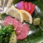 琉球料理 安 - 馬刺 極上三枚バラ&ヒージャー刺