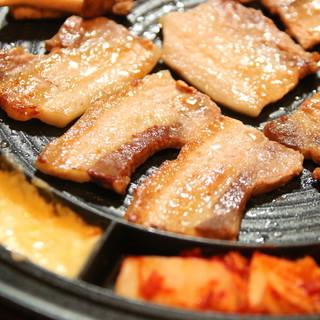 韓国料理の焼肉といえばサムギョプサル!