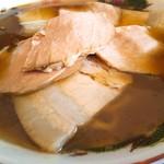 松屋製麺所 - チャーシュー麺(800円)