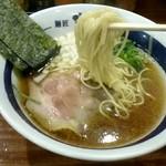 濃厚煮干しそば 麺匠 濱星 - 低加水ストレート細麺
