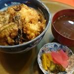 天錦 - 料理写真:かき揚げ天丼(950円)