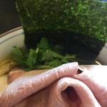 中華そば 四つ葉 - 海苔と三つ葉