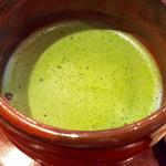 """甘味喫茶 おかげ庵 - ドリンク写真:""""お抹茶""""のアップ。抹茶に""""お""""を付けることが多いのはなぜ?"""