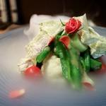 75822651 - おぼろ昆布と串本産メジロの菜園風オーガニックサラダ 特製昆布ドレッシング