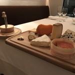 レストラン・アルバス - チーズ各種
