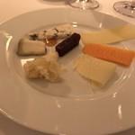 レストラン・アルバス - チーズ盛り合わせ。