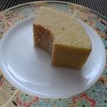 IKARIYA BEIKA KYOTO - *濃厚な甘栗と渋皮栗を使用され白あんが練り込まれています。