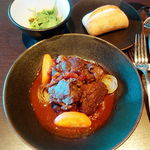 75826750 - 牛肉のエストゥファード(蒸し煮)赤味噌風