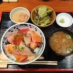 75831611 - 海鮮丼
