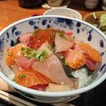 75831615 - 海鮮丼(3パパ特別仕様)