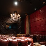 WHISKY&WINE BAR96 - 3階のカラオケ付きソファー席