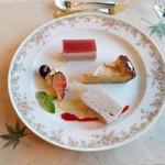 レストラン楓 - 「自家製デザートの盛り合わせ」