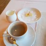 レストラン楓 - 「お飲み物」 最後にホットコーヒー