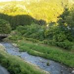 レストラン楓 - 山間に流れる川を眺めながらステキなフレンチ