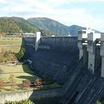 75835276 - ダムのスケールに圧倒されました