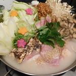 完全個室の地鶏専門店 一鳥 - 鳥と野菜の鍋