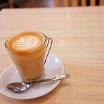 CROCE - ほっとする温かいカフェラテ♪