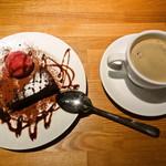 ポトフ料理ジョワ - デザートセットのコーヒーとガトーショコラ