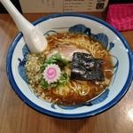 琳久 - 醤油らーめん 750円