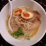 十二分屋 - 料理写真:近江鶏白湯塩(850円)※クーポンで味玉