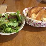 とろとろ - サラダとパン