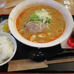 カンフォーラ - 四川風担々麺1,000円ライス108円