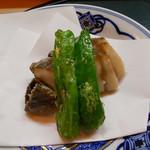 よこ林 - (撮影 20171103)息子が名古屋から来京「鮑の唐揚げ」を初めて頂きました。柔らかくて、美味しい。