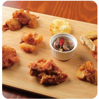名物「鶏肉全種盛り」