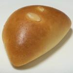 ブーランジェ・ルヴェ - ハーモニー卵のクリームパン