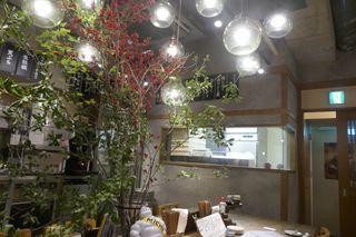 うどん酒場 香川一福 池袋 - 奥にはうどんの保管庫のようなスペースが有るようです。