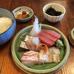 ふく丸 - さしみ(盛合せ)定食 1350円。