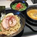 ゴル麺。 - 黄金つけ麺肉飯セット